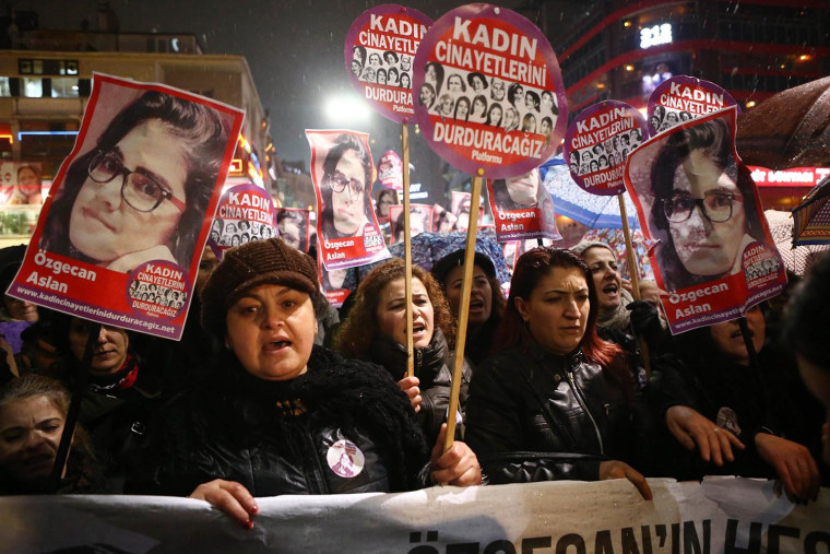 Image: TURKEY-CRIME-WOMEN-RIGHTS-PROTEST