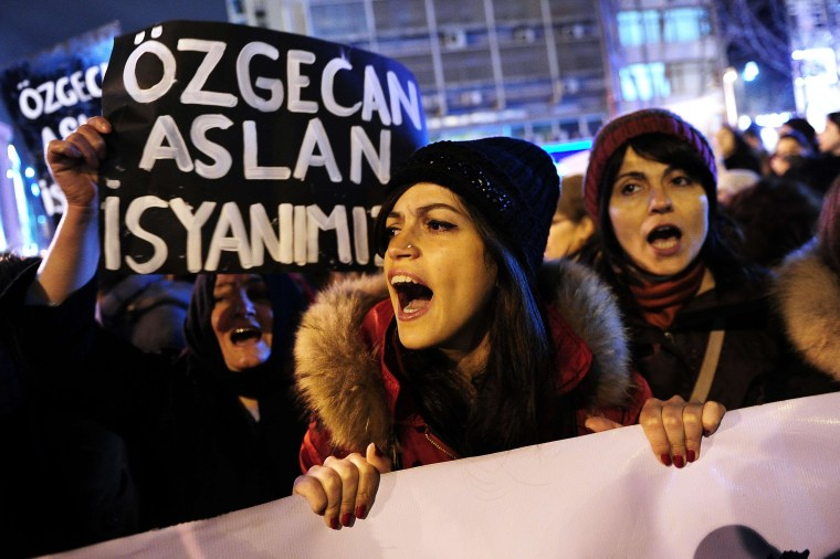 Image: TURKEY-CRIME-WOMEN-PROTEST