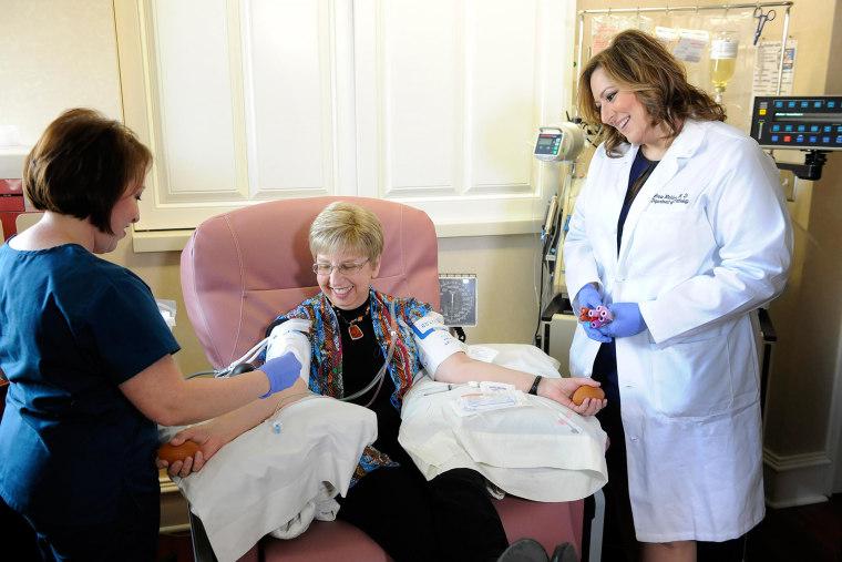 Image: Nancy Writebol with doctors