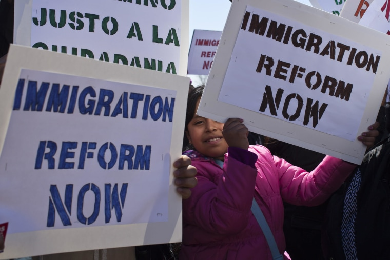 New Rule Allows Spouses of H-1B Visa Holders to Work