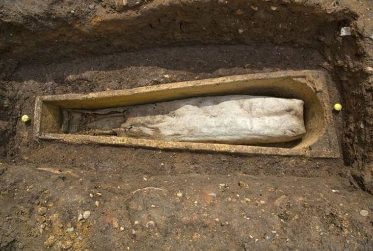 Image: Coffin of mystery woman found near grave of Richard III