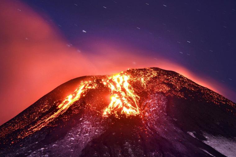 Image: Volcano Villarrica eruption