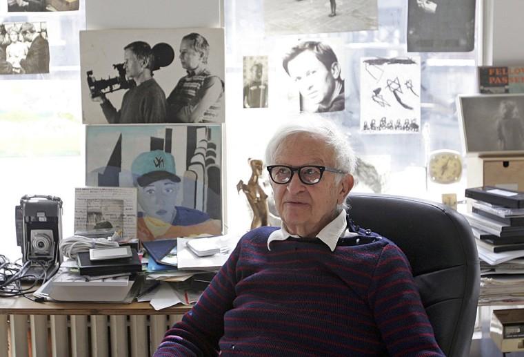 Image: U.S. documentary filmmaker Albert Maysles works in his office in New York