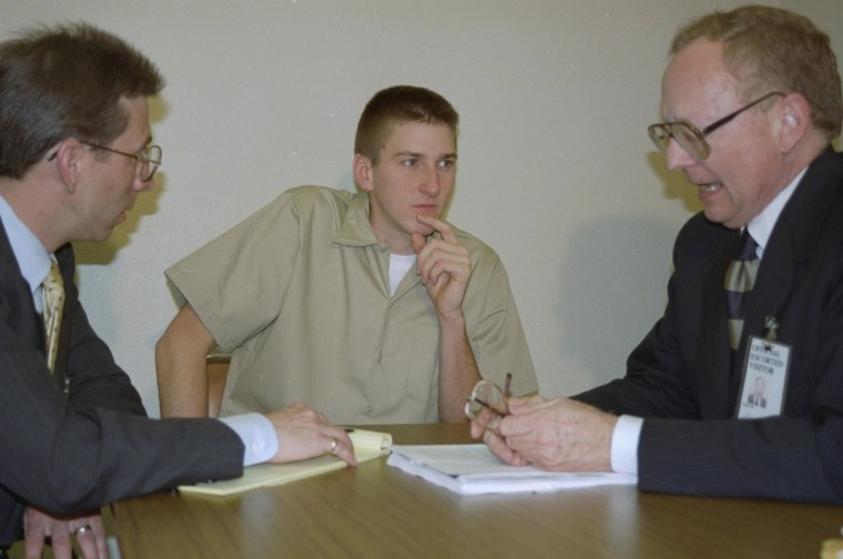 Image: Timothy McVeigh and lawyers