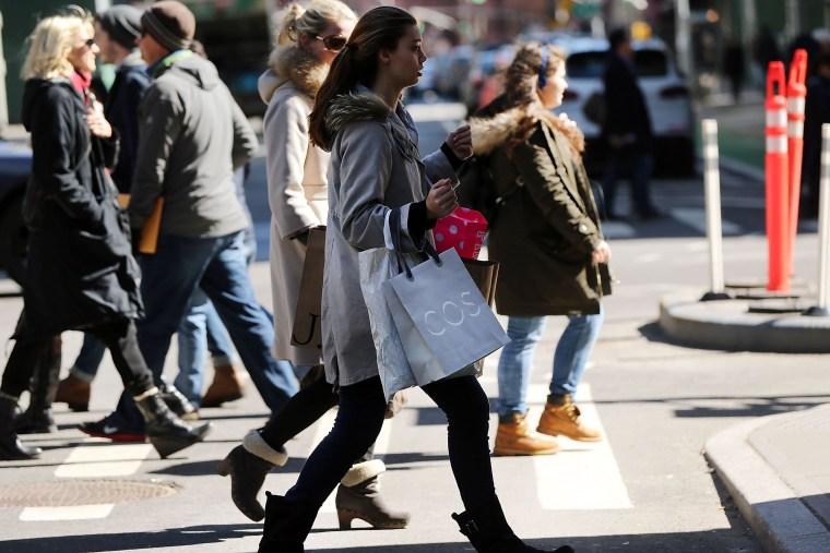 Image: Retail Sales Drop For Third Consecutive Month