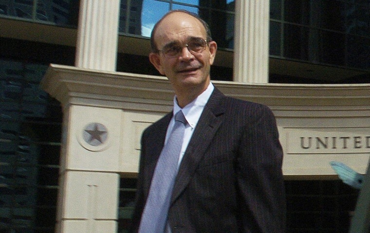 Attorney Marty Stroud leaves the Federal Courthouse in Shreveport, La., in 2007.