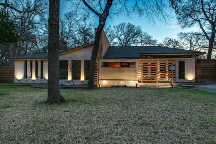 Live like \'Mad Men\': 10 mid-century homes for sale across the country