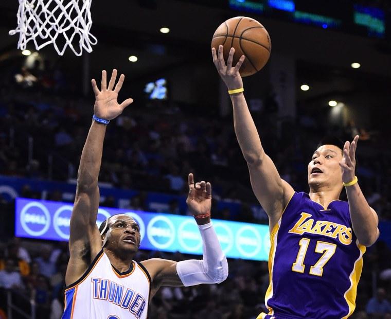Image: Los Angeles Lakers at Oklahoma City Thunder Basketball
