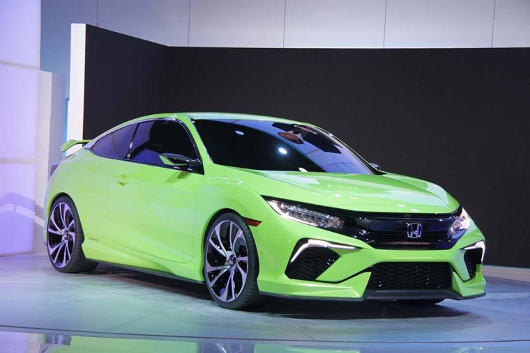 Honda wows the crowd at the New York Auto Show with a Civic Concept car, a tease of the all-new compact model it plans to introduce later this year.