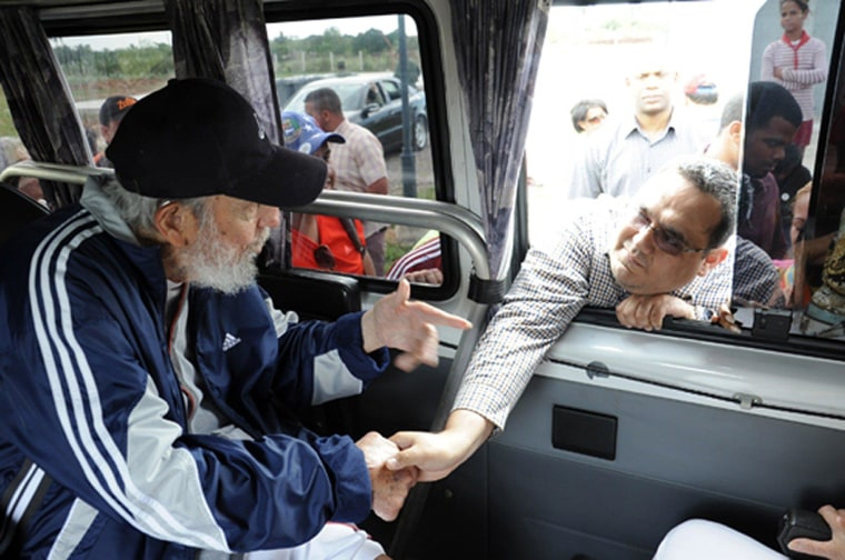 Image: CUBA-VENEZUELA-POLITICS-CASTRO
