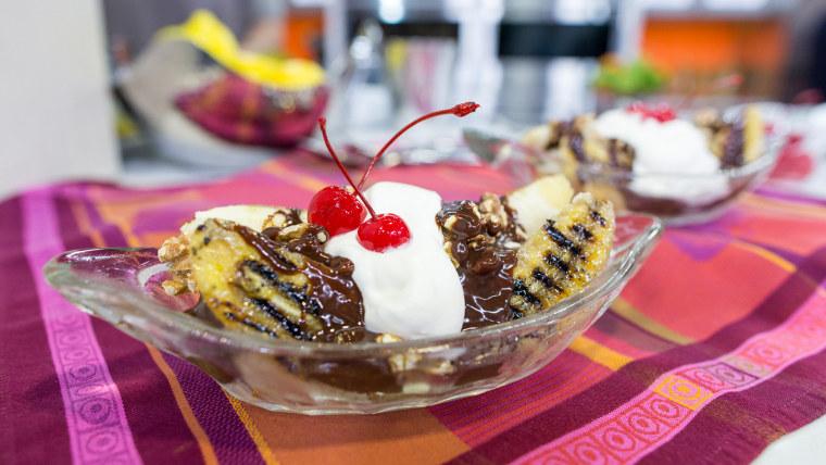 Grilled banana split