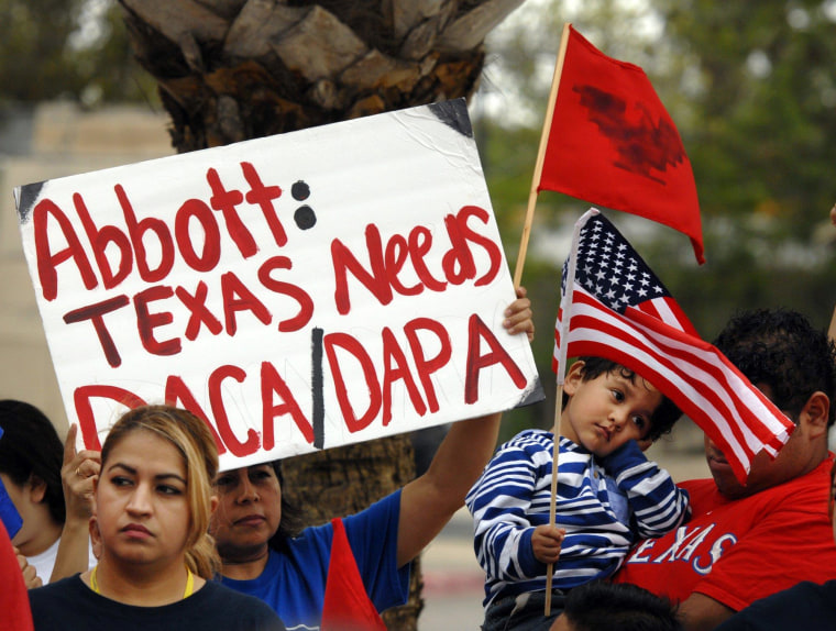 Image: Immigrants' rights protesters in Texas