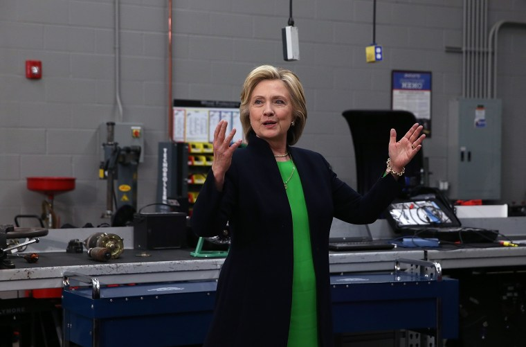 Image: Hillary Clinton Begins Presidential Campaign In Iowa