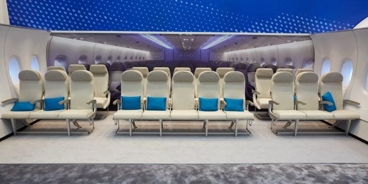 Image: Seats on an Airbus A380 at the Aircraft Interiors Expo in Hamburg