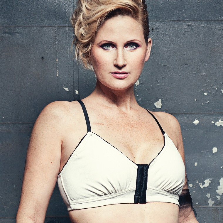 AnaOno Sandi Ivory front-closure bra.
