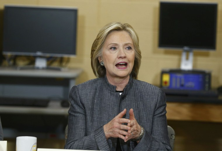 Image: U.S. presidential candidate Clinton participates in a discussion in New Hampshire Technical Institute classroom while campaigning for the 2016 Democratic presidential nomination in Concord