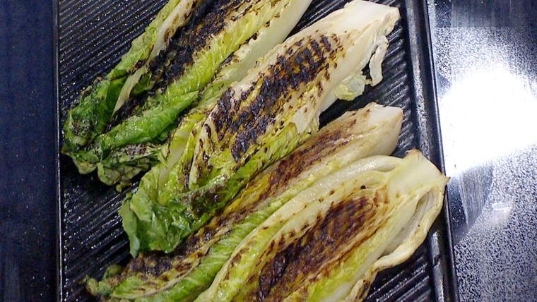 Mark Murphy makes a grilled romaine salad on TODAY April 27, 2015.