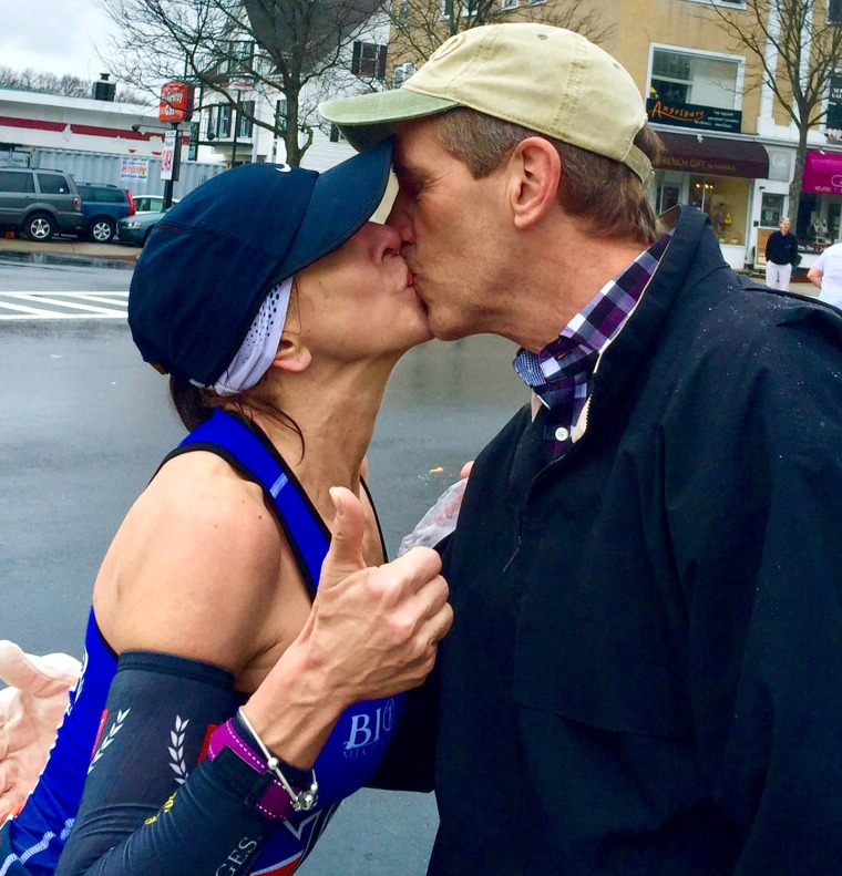 Boston Marathon runner searching for mystery man she kissed during the race