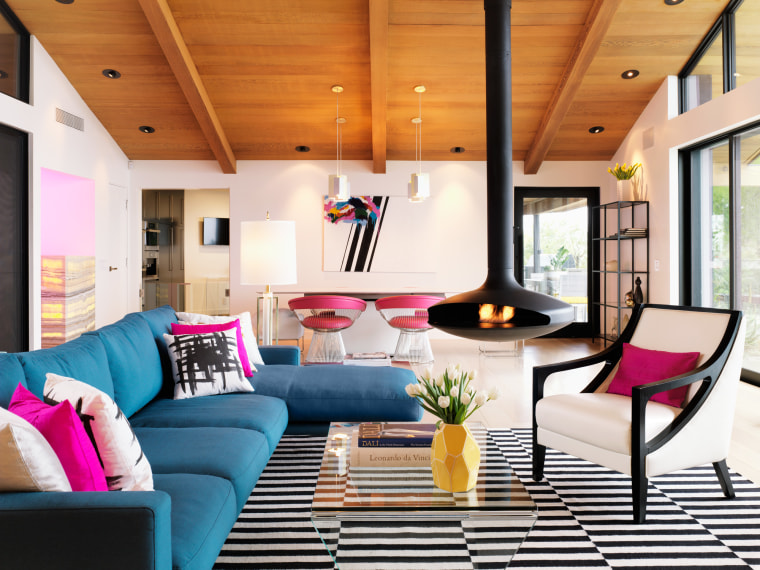 The living room in Jennie Garth's renovated home.