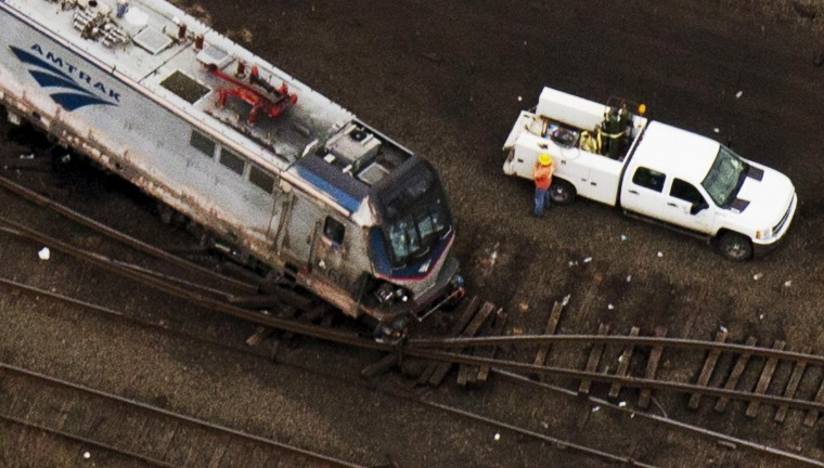 Image: Derailed Amtrak train in Philadelphia