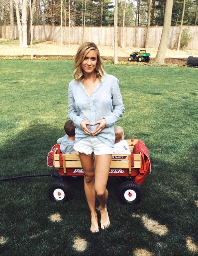 Kristin Cavallari announces her third pregnancy.