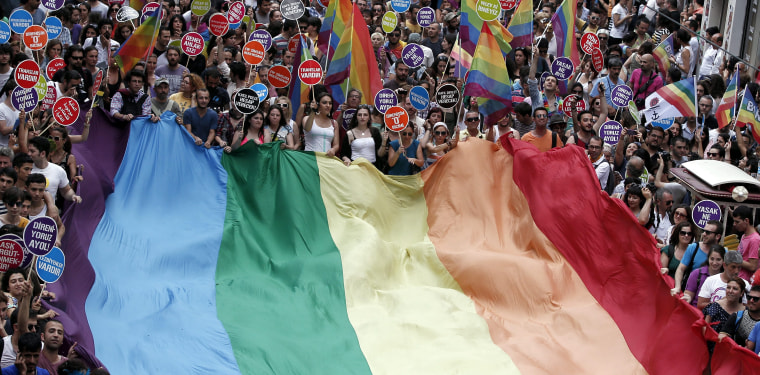 Image: 4th Trans Pride Parade in Istanbul