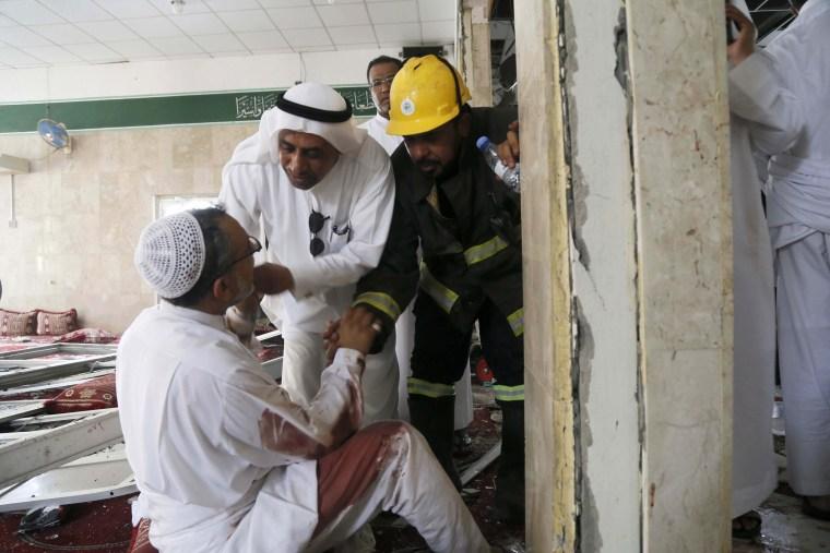Image: Suicide bomber detonates inside Shiite mosque in Saudi's east