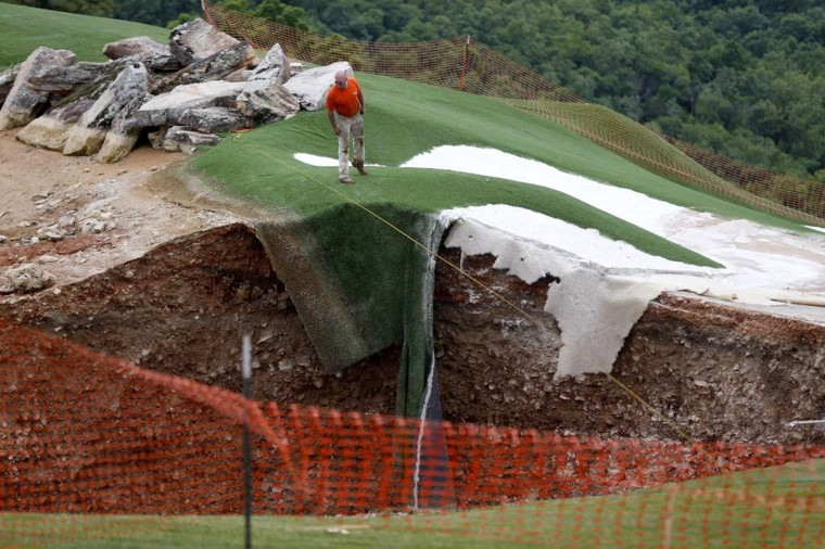 Image: sinkholes open up on golf course