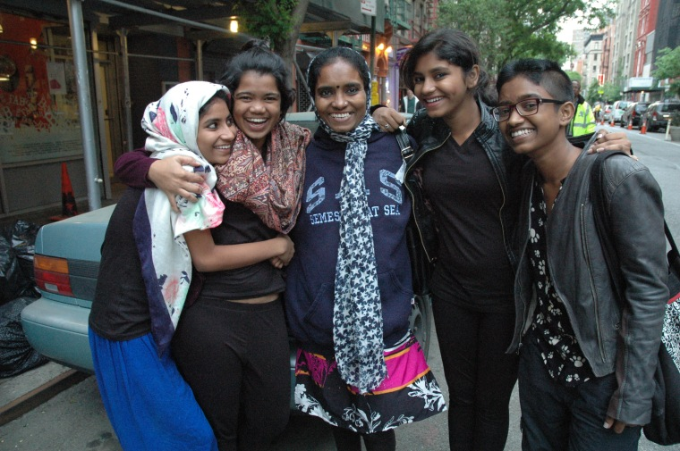 Shweta Katti with her mom and sisters. (L-R: Ashi Katti, Kavita Hosmani, Vandana Katti, Shraddha Katti, Shweta Katti)