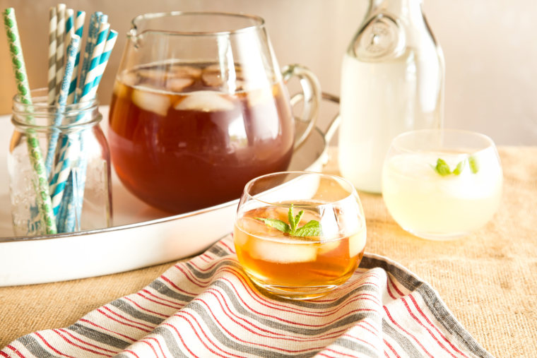 How to make your own simple syrup for tea and cocktails