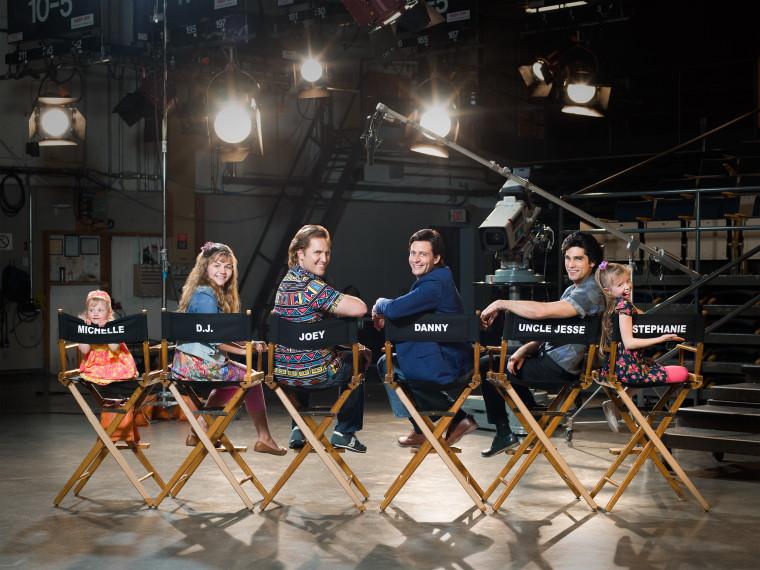 """""""Unauthorized Full House Story"""" cast photo"""