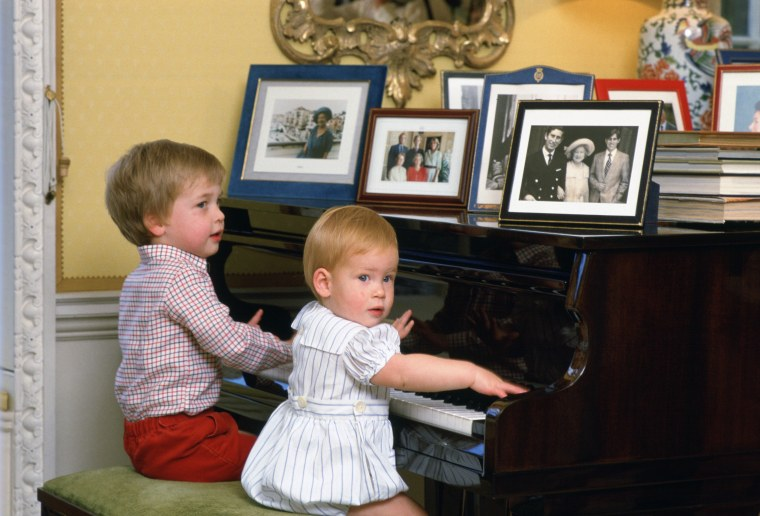 William and Harry playing the piano