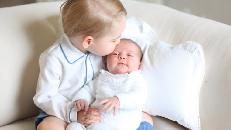 Adorable Prince George, Princess Charlotte pictures win over the world