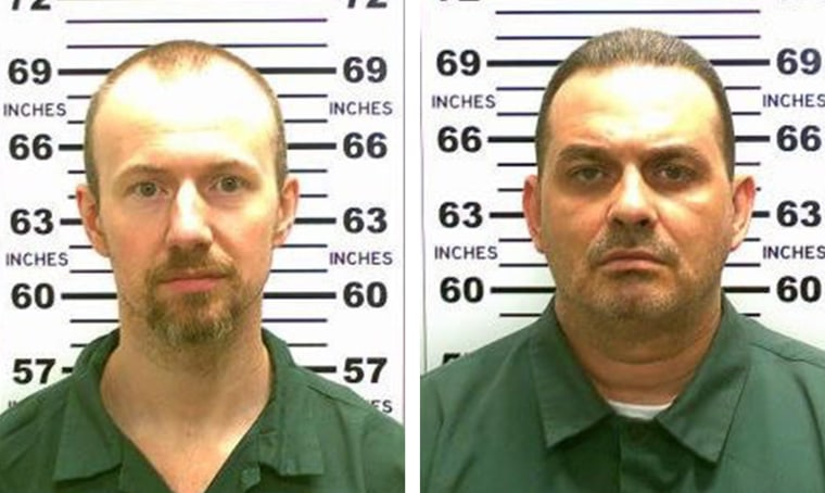 Image: Two convicted murderers escape prison
