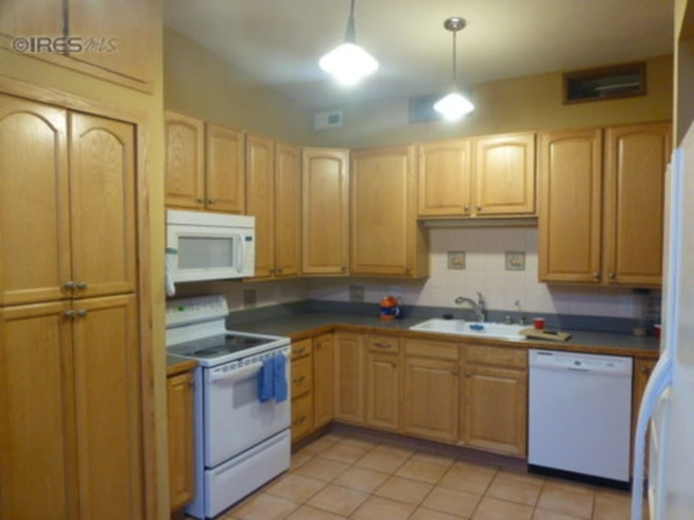 Paige Hooper's kitchen before the makeover.