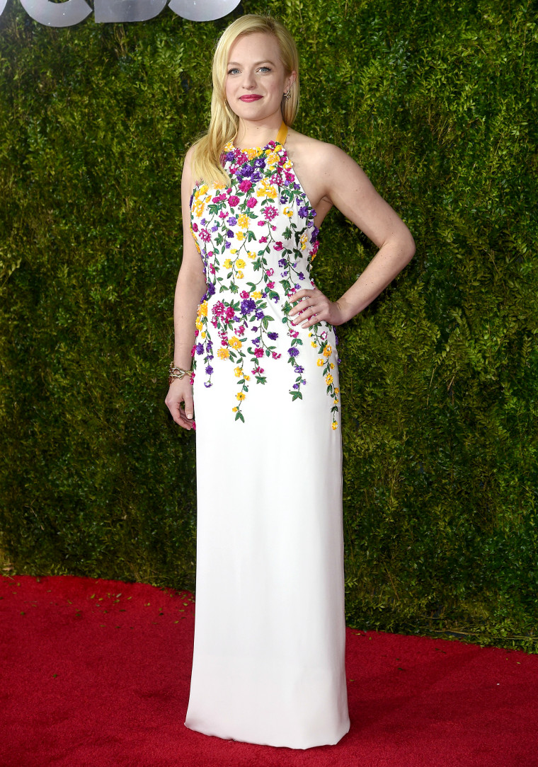 Elisabeth Moss attends the 2015 Tony Awards