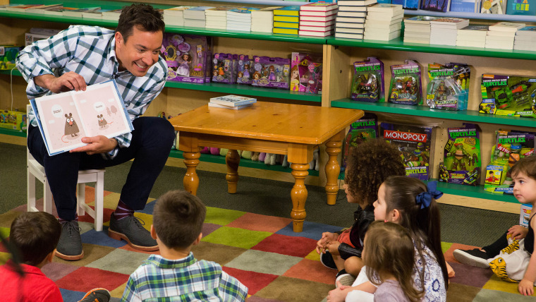 Jimmy Fallon reads his new book 'Dada' to room full of children.