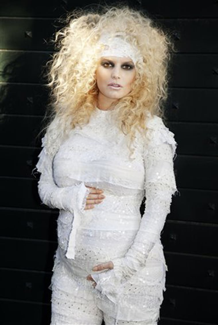 Jessica Simpson's Halloween 2011 pregnancy announcement