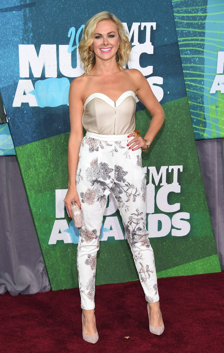 Laura Bell Bundy arrives at the 2015 CMT Music Awards