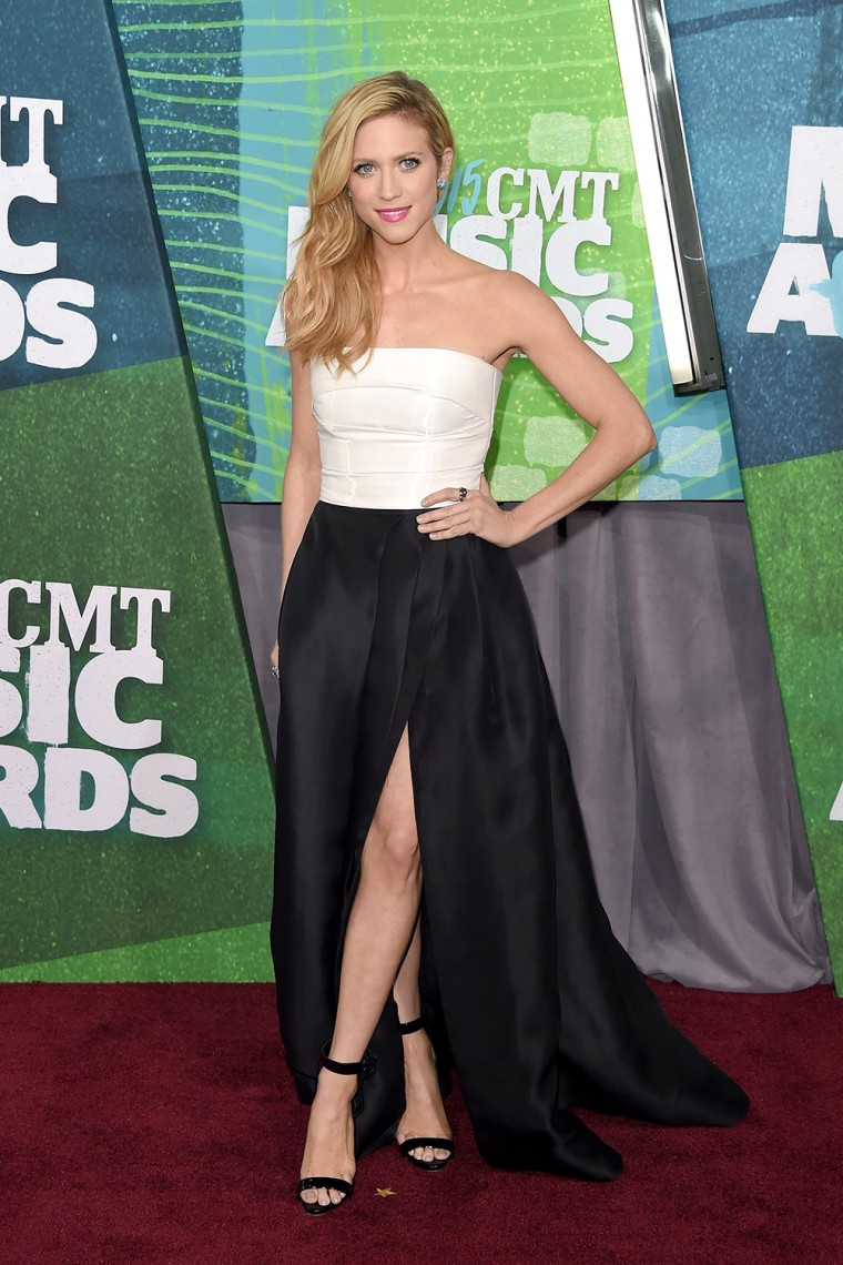 Brittany Snow arrives at the 2015 CMT Music Awards