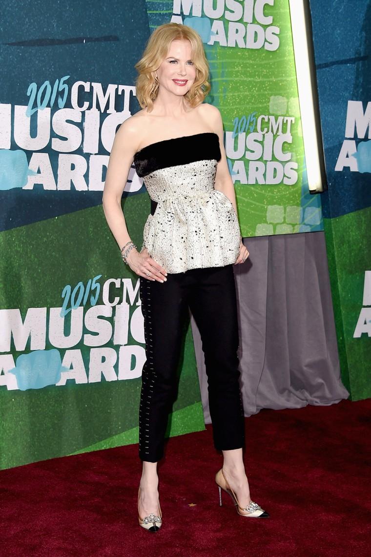 Nicole Kidman arrives at the 2015 CMT Music Awards