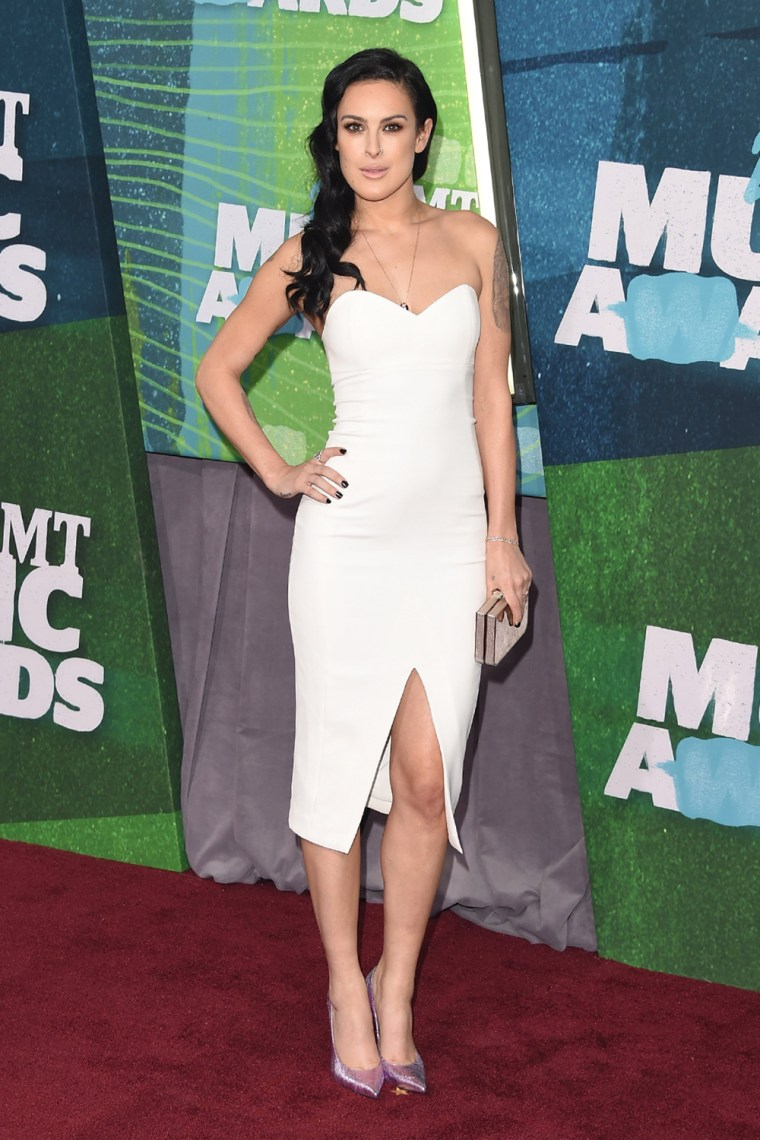 Rumer Willis arrives at the 2015 CMT Music Awards