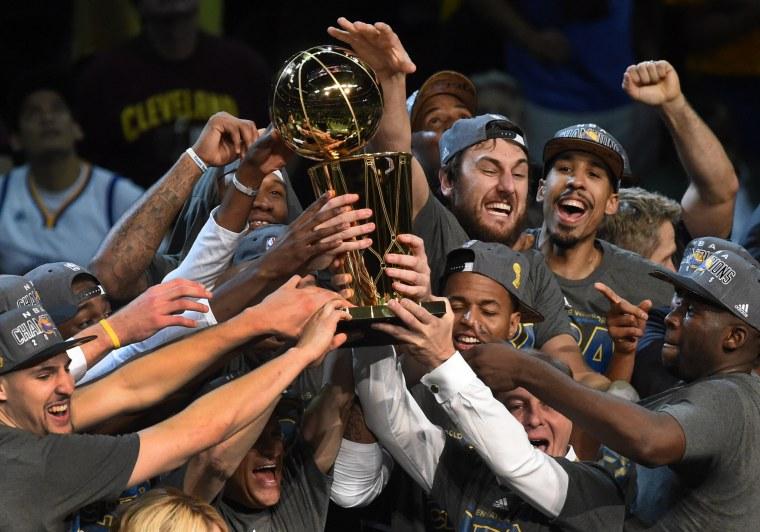 Image: TOPSHOTS-BASKET-NBA-FINALS-WARRIORS-CAVALIERS