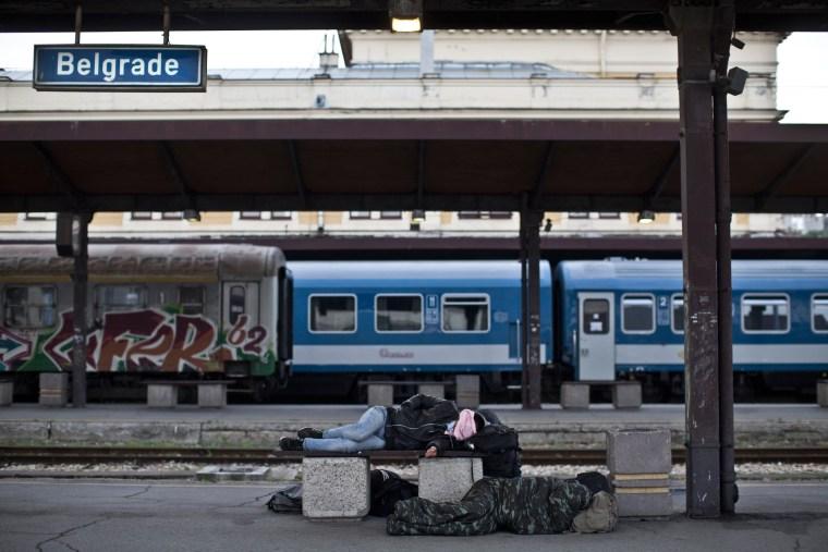 Image: Syrian migrants in Belgrade train station