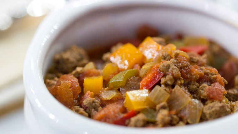 Willie Geist shares his dad's recipe for spicy one-pot chili