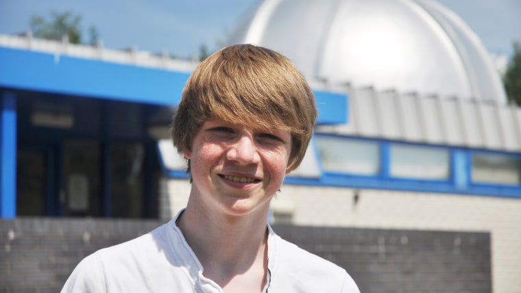15-yr-old work-experience schoolboy discovers a new planet