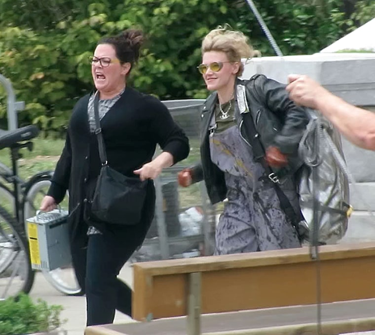 Melissa McCarthy, Kate McKinnon, and Kristin Wiig, 1st day ever filming Ghostbusters in Boston together