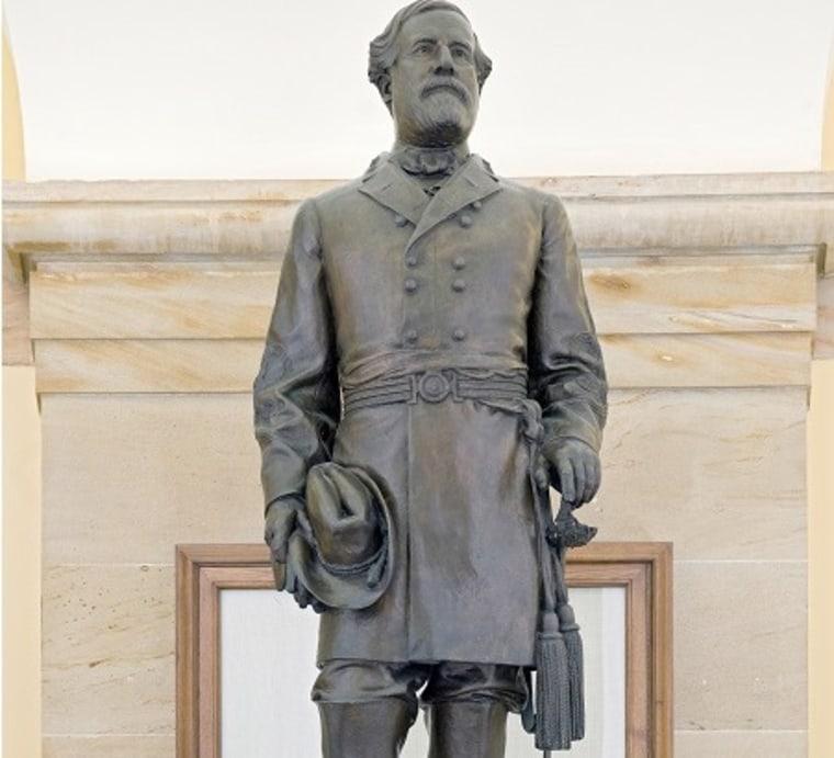 IMAGE: Statue of Robert E. Lee