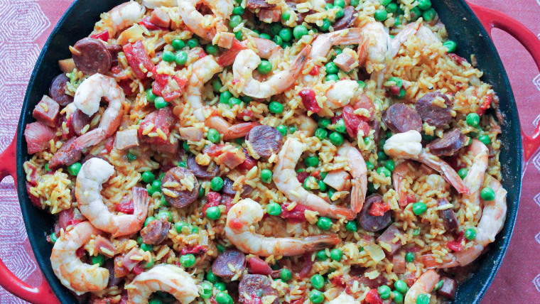 One-pot paella with shrimp, chorizo and peas