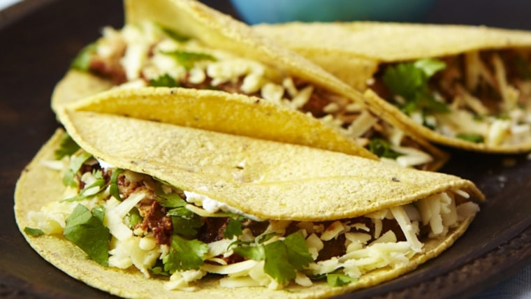 Slow-cooker chicken chili tacos